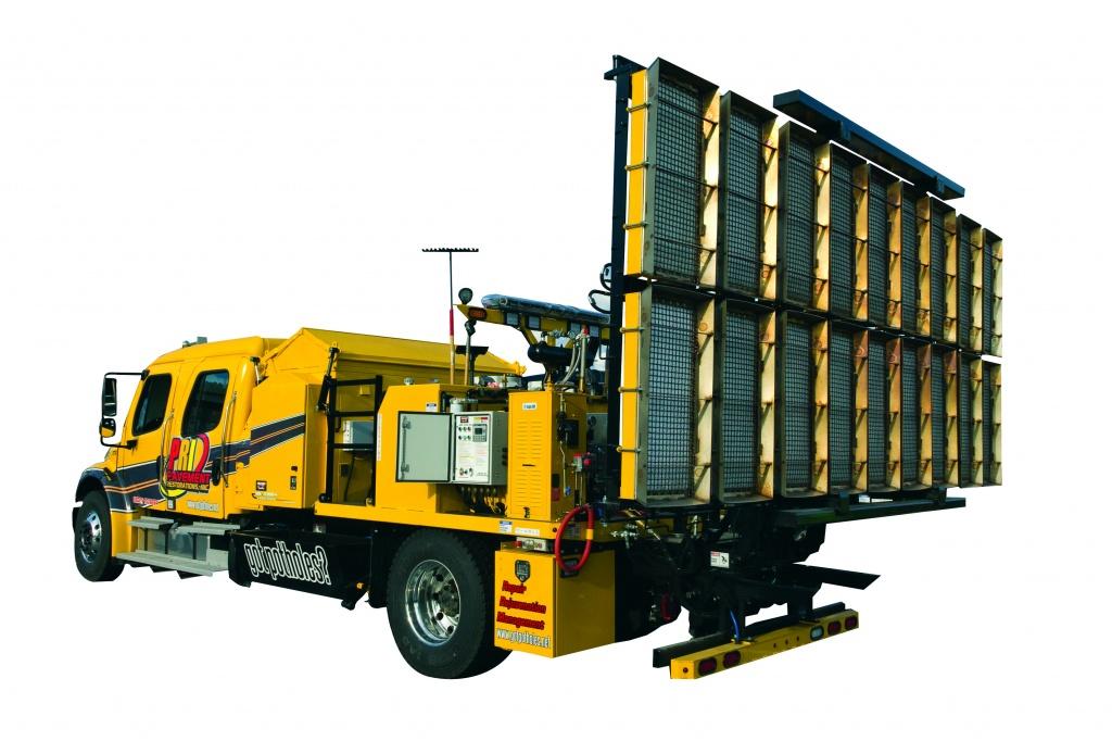 Автономный грузовик для ямочного ремонта дорог